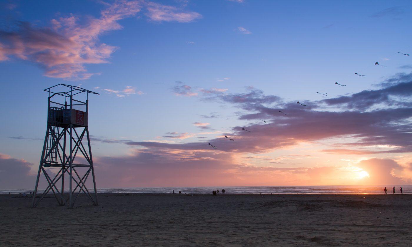 Seaside-oregon-lifeguards-beach